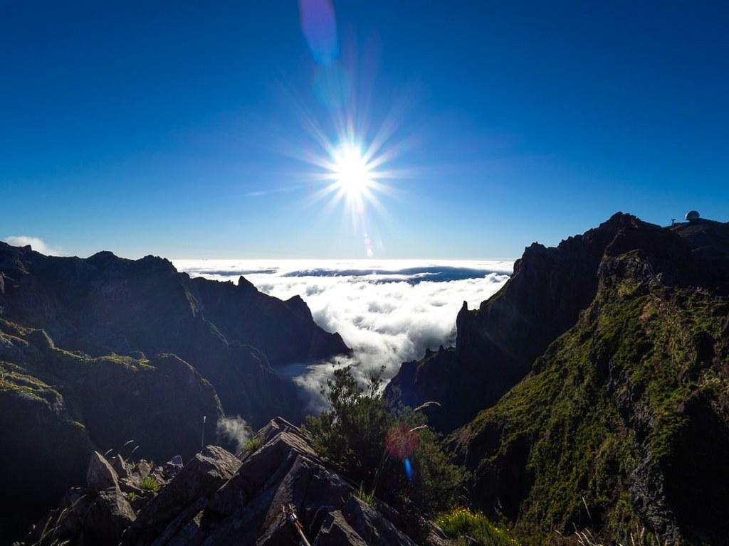 amazing_sunrise_in_madeira_mountain