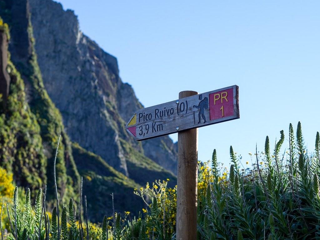mountain_signpost