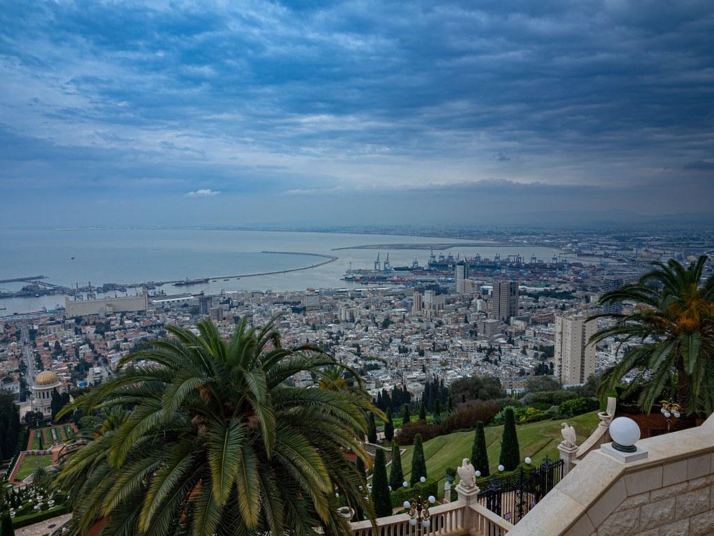 sea_side_of_haifa_viewed_from_the