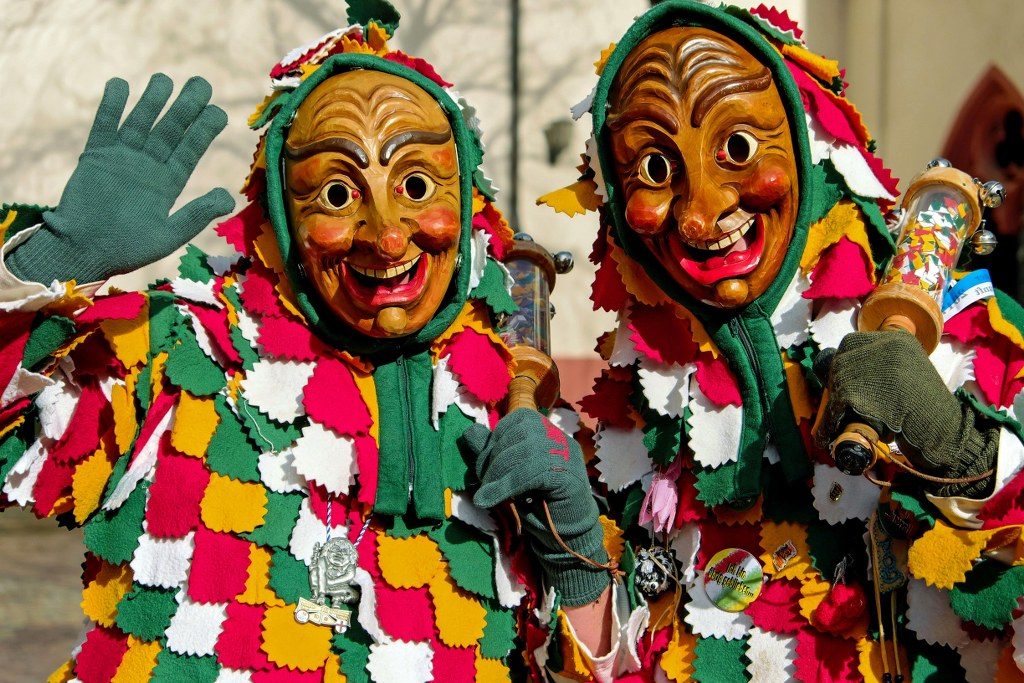 attendants_of_carnival_in_madeira