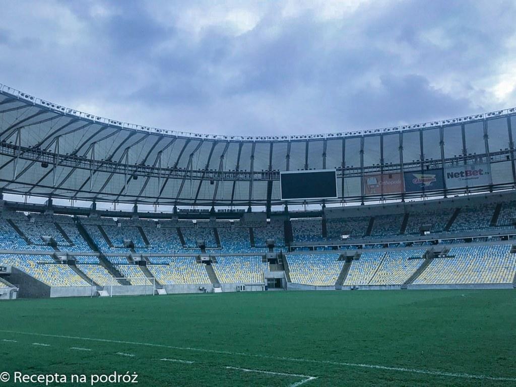 inside_of_maracana_stadium
