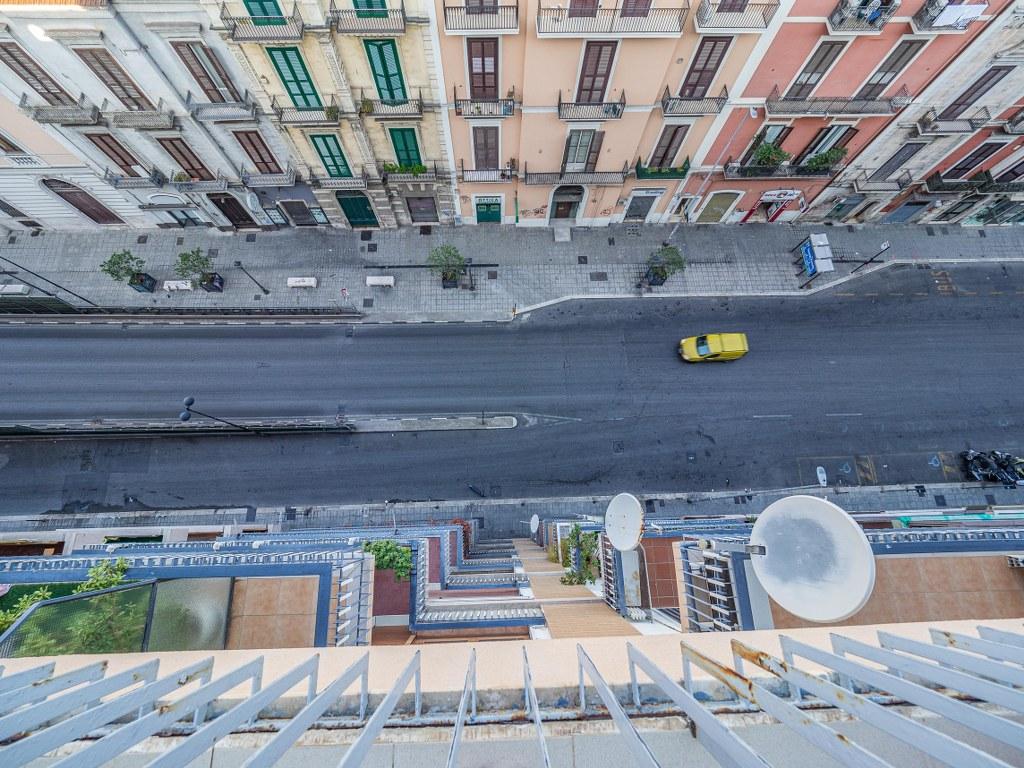 empty_streets_in_italian_puglia_during_siesta_time